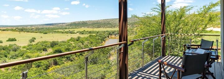 Deck der Sarili Lodge im Shamwari Game Reserve