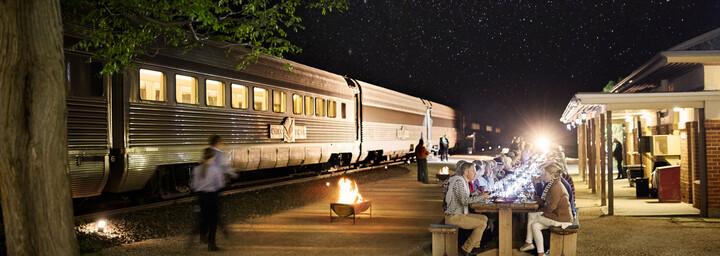 Zug Indian Pacific Abendessen in Rawlinna