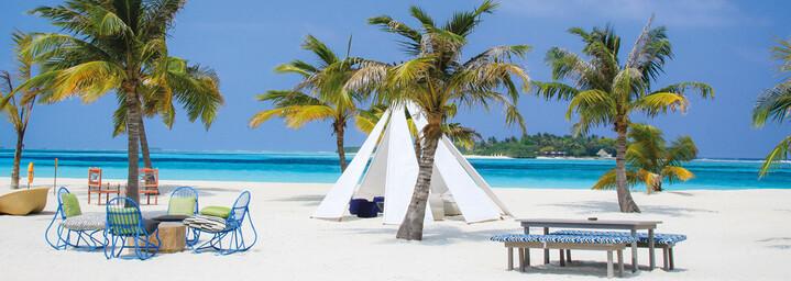 Iru Beach Bar - Kanuhura - A Sun Resort Maldives