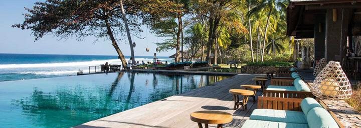 Pool des Jeeva Klui Resort auf Lombok