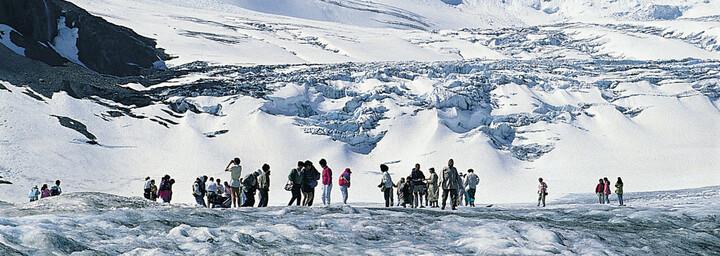 Besucher am Athabasca Gletscher, Columbia Icefield