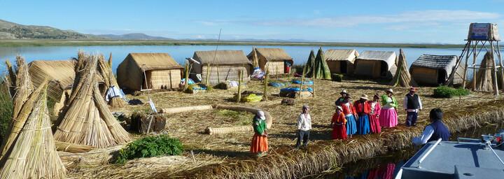Schwimmende Insel der Uros Indianer