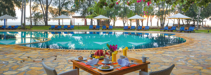 Bluebay Beach Resort & Spa - Pool