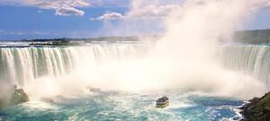Niagara-Faelle-mit-Schiff.jpg