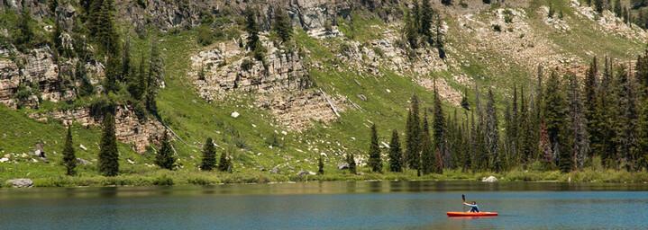 Kajak fahren auf dem Tony Grove See im Cache Valley