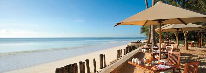 Bluebay Beach Resort & Spa - Restaurant mit Blick auf das Meer