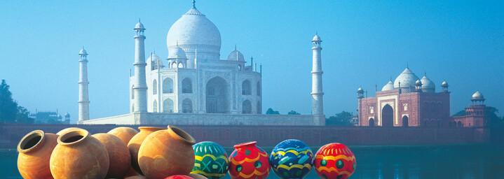 Taj Mahal und bunte Töpfe