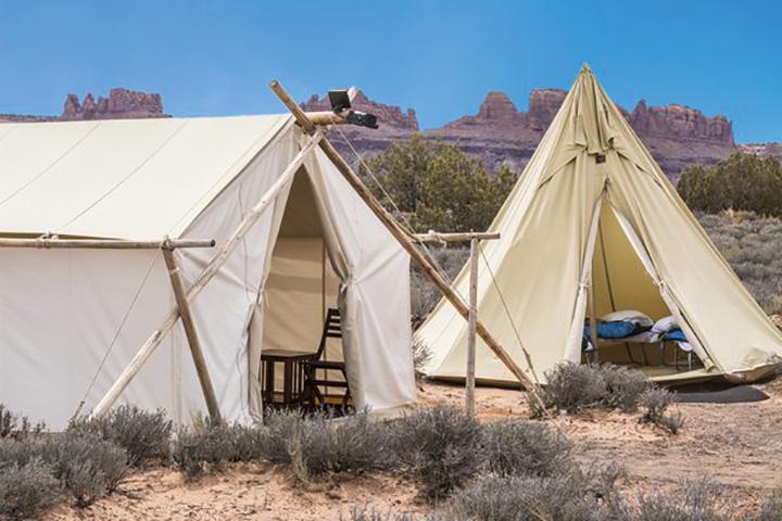 Safari Zelt mit Tipi des Moab Under Canvas©