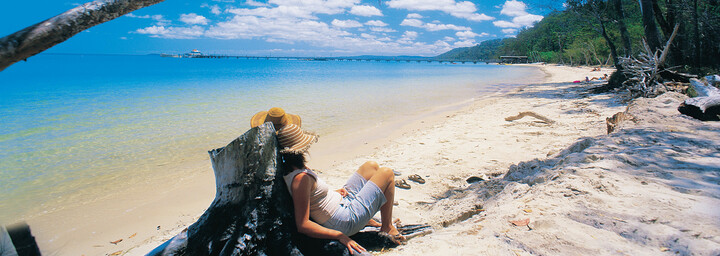 Strand nahe des Kingfisher Bay Resorts auf Fraser Island