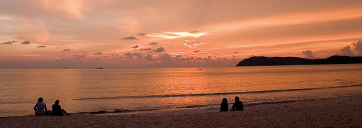 Strand Pantai Cenang bei Sonnenuntergang