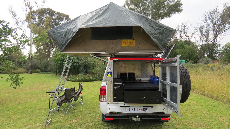 Bushlore Toyota Hilux 4x4 Safari Camper von hinten