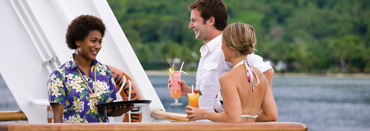 "Cocktails an Board - Kreuzfahrtschiff ""MV Reef Endeavour"" Captain Cook Cruises"