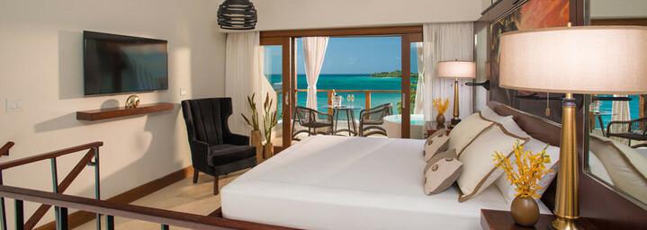 Beispiel Honeymoon Beachfront Two Storey One Bedroom Butler Villa Suite w/ Tranquility Soaking Tub
