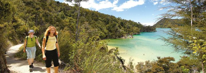 Wanderer auf dem Abel Tasman Coastal Track
