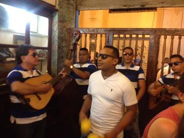 Reisebericht Havanna: Typische Bodega mit Live Musik in Havanna