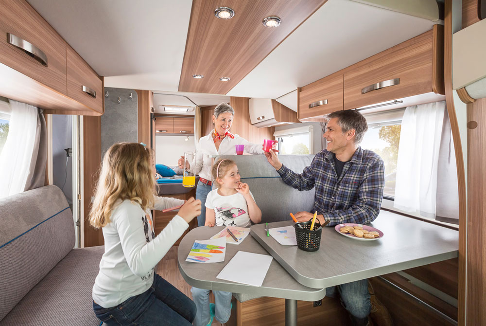Apollo Camper Family Traveller Plus Innenbereich
