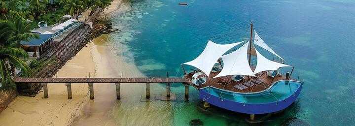 Strand des Hotel Coco de Mer & Black Parrot Suites