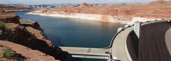 Lake Powell - Glen Canyon Dam