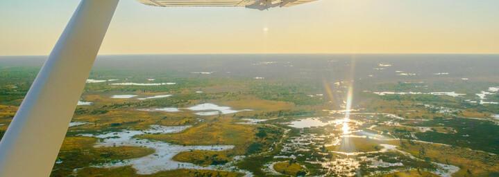 Die Wege des Okavango Deltas aus der Luft