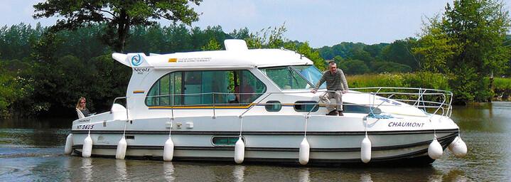 Nicols Hausboote Sedan N1000