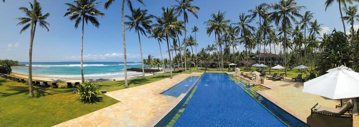Candi Beach Resort & Spa - Pool & Strand