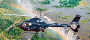Viktoriafälle mit dem Helikopter