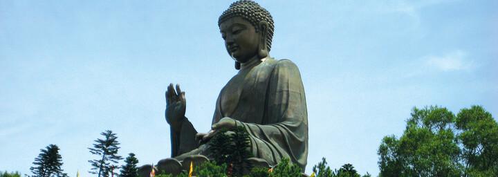 Große Buddha Statue im Po Lin Kloster