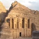 Jordaniens Höhepunkte mit dem Mietwagen