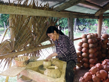 Kambodscha Reisebericht: Töpferei in einem Dorf nahe Battambang
