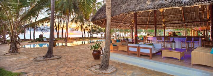 Poolarea Bluebay Beach Resort