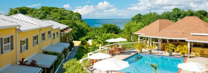 Grooms Beach Resort - Pool & Außenansicht