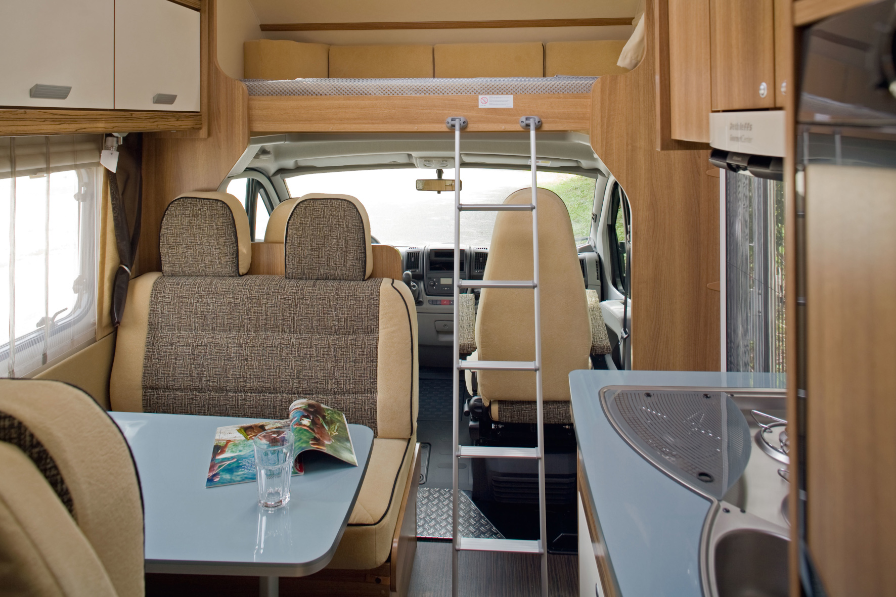 McRent Camper Europa - Kategorie Family Luxury